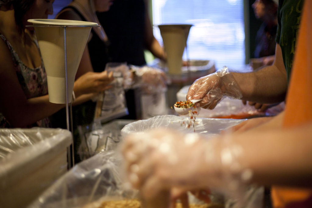 hosting-meal-packing-event